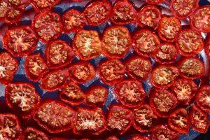 tomatoes-1608176_1920